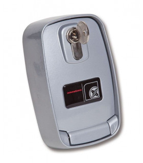 MINI BOX PRACTIC Mini  armario exterior vertical con pulsador